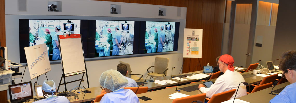 Live Surgery Observation in the Medical Presence Suite